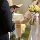 Suknia ślubna – kupić czy wypożyczyć?